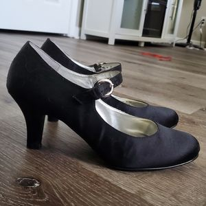 Chinese Laundry Black Strap Heels